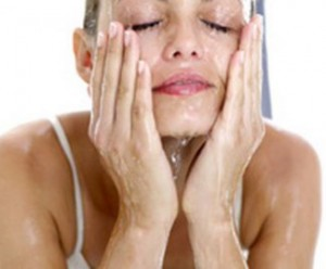 Pelle del viso liscia