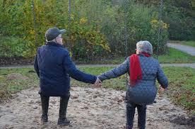 anziani al parco