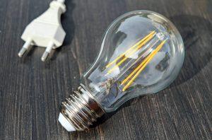 Come abbattere i costi di luce e gas