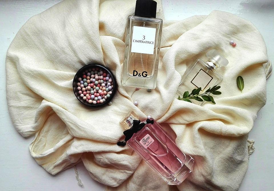 10 perfume-2445617_960